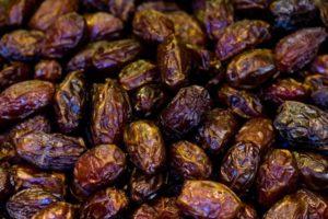Can-Cats-Eat-Raisins
